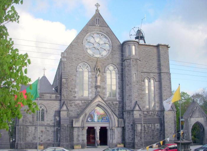 Date Singles In Castlebar, Mayo - Meet & Chat Online